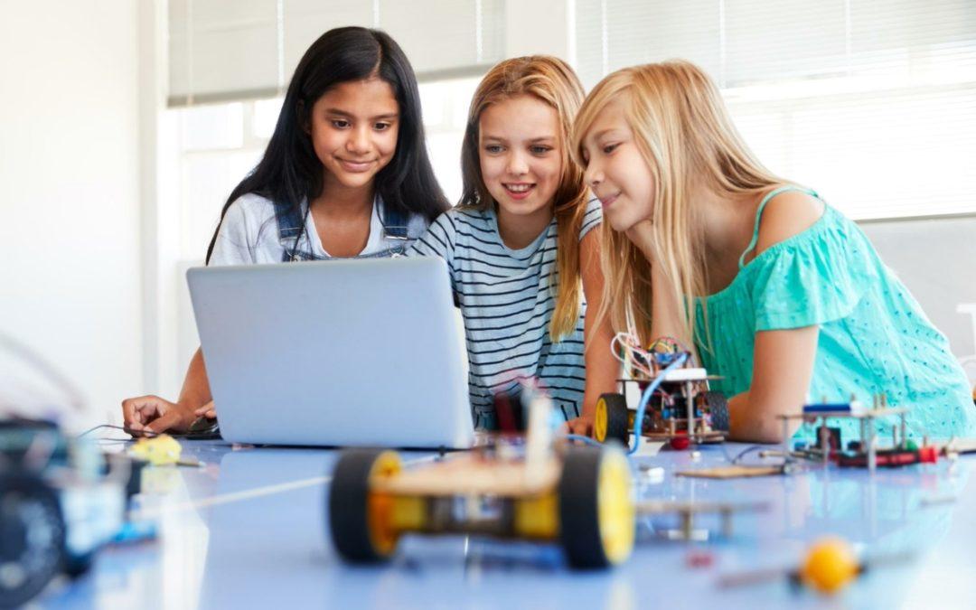 Programación para niños y niñas, ¿qué beneficios les aporta?